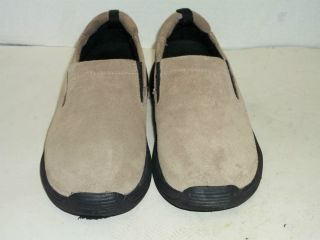 Mens Casual Beige St John's Bay Shoes Size 7 Medium Ortho Light Comfort Foam