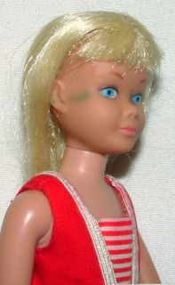 1960s BARBIE MATTEL PLATINUM BLONDE SKIPPER DOLL w ORIGINAL OUTFIT IN BOX