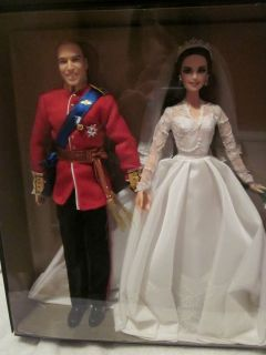 WILLIAM KATE ROYAL WEDDING GIFTSET BARBIE GOLD LABEL COLLECTION NEVER