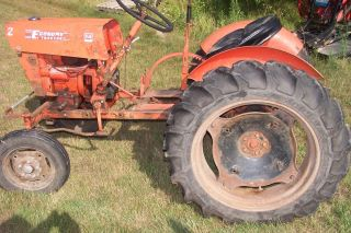 Economy Power King Tractor 2414 Good Project or Parts tractor   Strong
