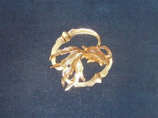 VINTAGE MIMI DI N JAPANESE KOI FISH NECKLACE CHARM GOLD TONE SIGNED