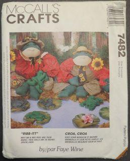 McCalls Crafts Pattern No 7482 Mr Mrs Frog Babies