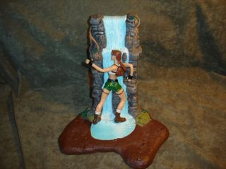 LARA CROFT TOMB RAIDER ESCAPES POWERFUL CROCODILE EIDOS ACTION FIGURE