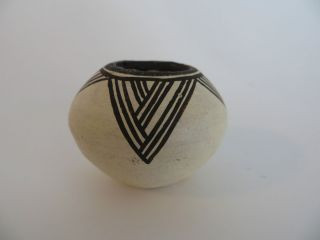 Lucy M Lewis Authentic Acoma Indian Pottery Bowl Signed