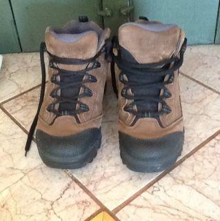 ll Bean LLBean Women Size 7 1 2 Hiking Snow Lace Boots Brown