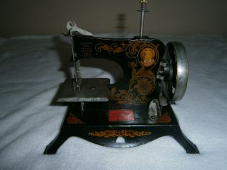 Lindstrom Little Miss Model 210 Childs Sewing Machine