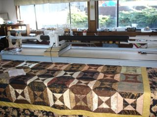 Long Arm Quilting Table and Machine