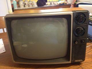 Vintage Magnavox TV BG3741AK01 Works RARE