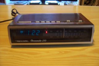 Realistic Chronomatic 250 Alarm Clock Radio Model 12 1557