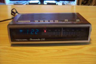 Realistic Chronomatic 250 Alarm Clock Radio Model 12 1557