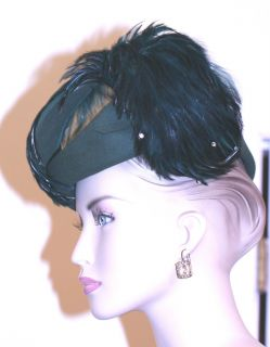 LADIES vintage DESIGNER JACK MCCONNELL HAT kelly GREEN VELOUR feathers
