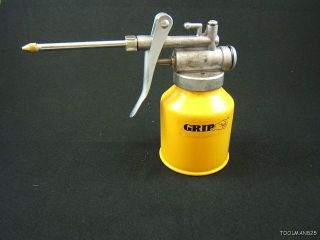 High Pressure Yellow Oil Can Gun Pump New Tools Grease