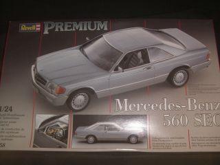 24 Revell Mercedes Benz 560 Sec Premium