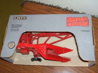 Case IH Farm Toy International 1 PR Corn Picker Ertl SP Ed