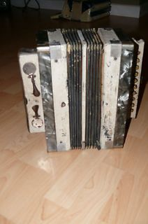 Antique Hohner Accordion   Needs work
