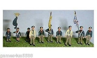 LANGLEY OO SCALE 10x CUBS & SCOUTS LEADERS  FLAG BEARERS UNPAINTED