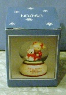 CARLTON CARDS Baby Girls First Christmas Snow Globe   Girl & Kitten