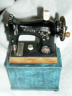Black & Blue Retro Singer Sewing Machine Bank *Old Fashioned Sewing