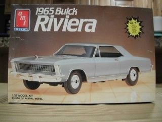 1965 Buick Riveria AMT 3 in 1 Model Kit 125 scale