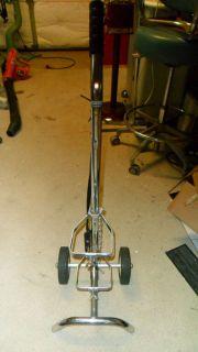 Portable oxygen tank cart for oxygen cylinder