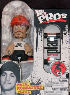 TECH DECK PROS   Paul Rodriguez Action Figure & PLAN B Finger Board