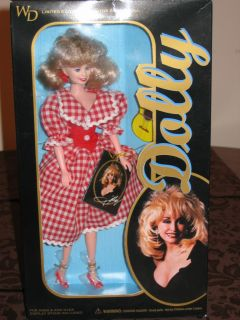 12 Dolly Parton Red Check NRFB, Country Singer Celebrity (NIB