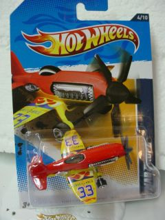 New 2012 Hot Wheels Mad Propz 134★RED Yellow★surveillance Plane
