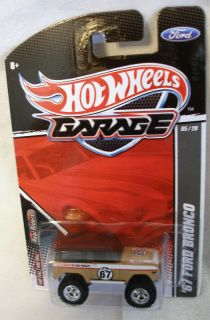 Hot Wheels Garage 2011 67 Ford Bronco J Case