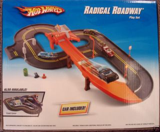 Hot Wheels Radical Roadway Set Car Track with Accessories New