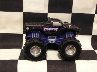 Hot Wheels 1 43 Scale Revtredz Predator LVGC Monster Jam Truck
