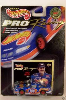 Hot Wheels Pro Racing 44 Kyle Petty 1 64