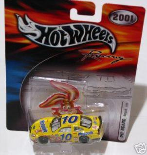 Nesquik 10 Hot Wheels Pit Board Racing 2001 New