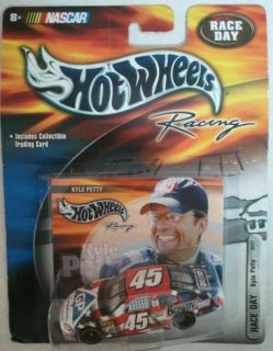 2003 HOT WHEELS RACING RACE DAY 164 NASCAR #45 KYLE PETTY GEORGIA