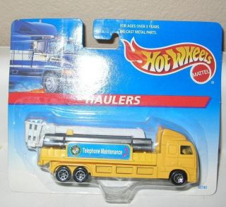 Hot Wheels Haulers Telephone Maintenance Truck
