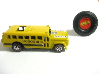 HOT WHEELS SCOOL BUS REDLINE. ALL ORIGINAL. NEAR MINT CONDITION WITH