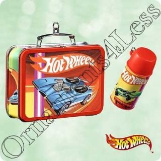 Hallmark Ornament 2003 Hot Wheels Lunch Box Set QXI8427