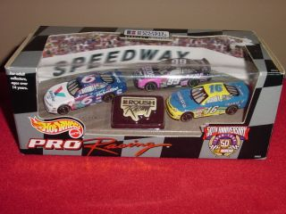 New in Box 1997 Jack Roush Team Hot Wheels Racing Team