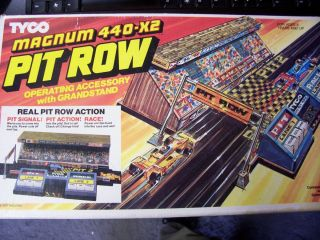 Tyco HO Slot Car Magnum 440 X2 Pit Row Set in Original Box