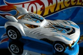 Hot Wheels Creature Cars Howlin Heat