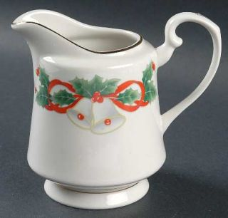 Royal Majestic Noel Creamer, Fine China Dinnerware   Holly Border, Red   Berries